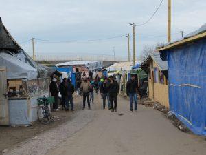 Une rue du camp de Calais
